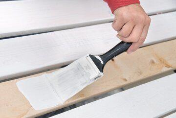 Грунтование деревянной поверхности под покраску